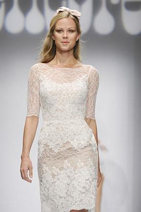 фото: Кружевные свадебные платья остаются в тренде и в 2014 году