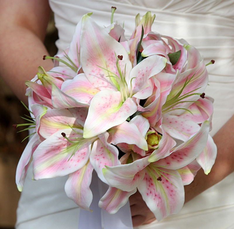Букет невесты лилиями, спб