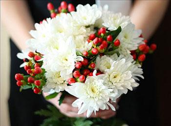 Букет невесты из хризантем фото 7-1