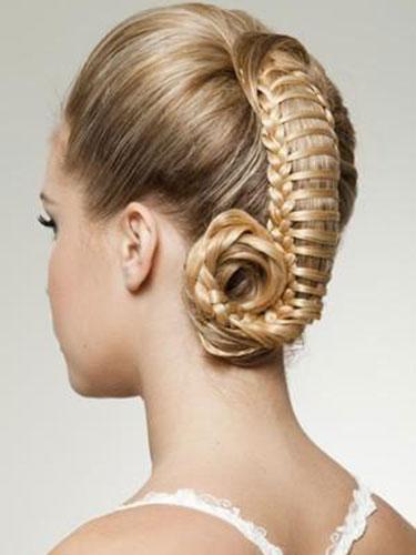 Свадебная прическа с косами фото 10