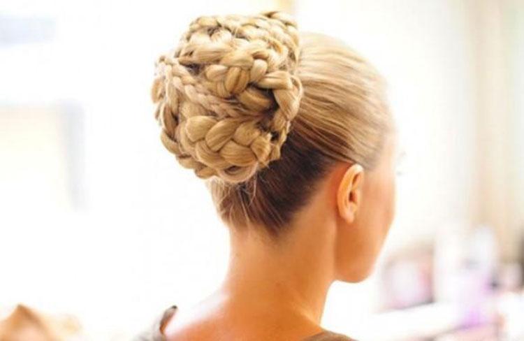 Свадебная прическа с косами фото 6