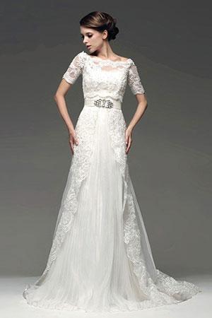90e6d1522e6744 Прямі і вузькі весільні сукні з фото. Як вибрати правильний фасон.