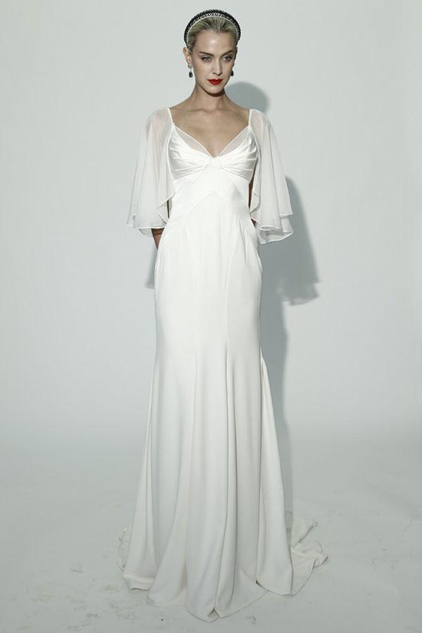 Приталенные платья в пол с открытой ...