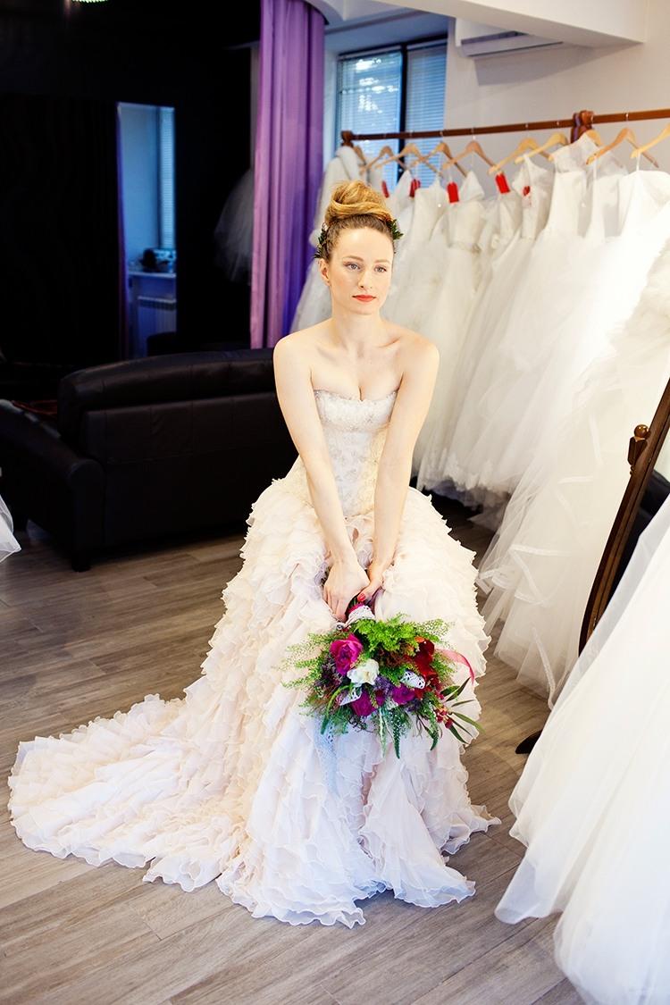 Рекомендації модельєрів з вибору весільних суконь для наречених 2016 ... dd463e4ed1ba3