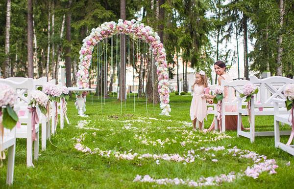 оформление свадьбы цветами фото 20