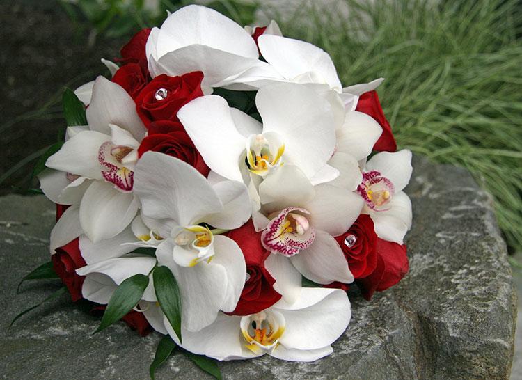 Букет невесты орхидей фиолетовых, заказать подарочный букет из еды