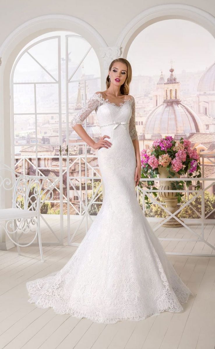 abb3b0ad053 Как правильно ходить в свадебном платье  Советы профессионалов