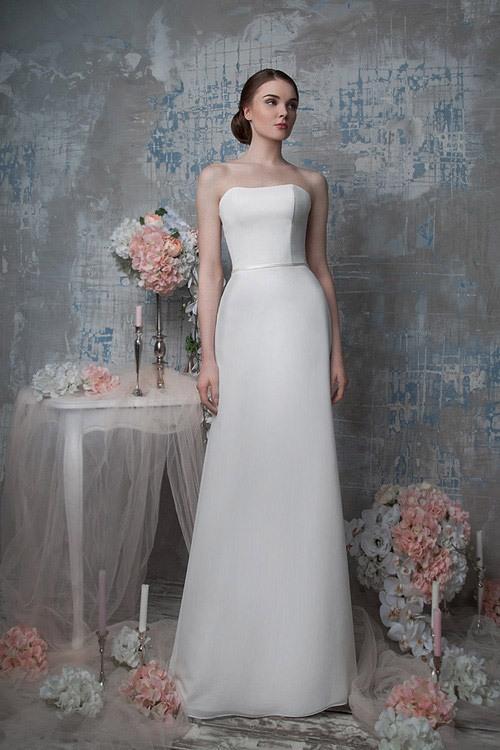 Сколько стоит расшитое платье