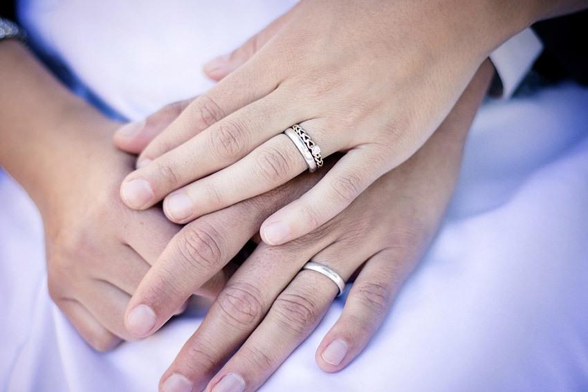 Муж не носит обручальное кольцо примета