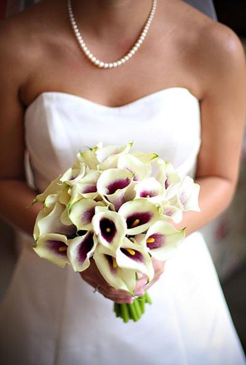 Букет невесты из калл с фото