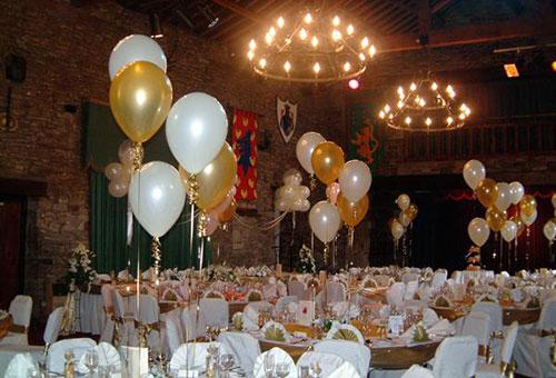 Украшение банкетного зала на свадьбу шарами фото 2