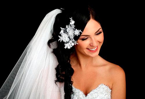 Самые красивые свадебные прически с фатой