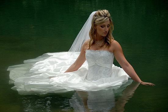 интересные и оригинальные идеи для свадебной фотосесисии фото 10