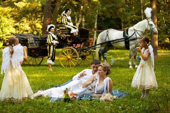 Оригинальные и интересные идеи для свадебной фотосессии фото 6