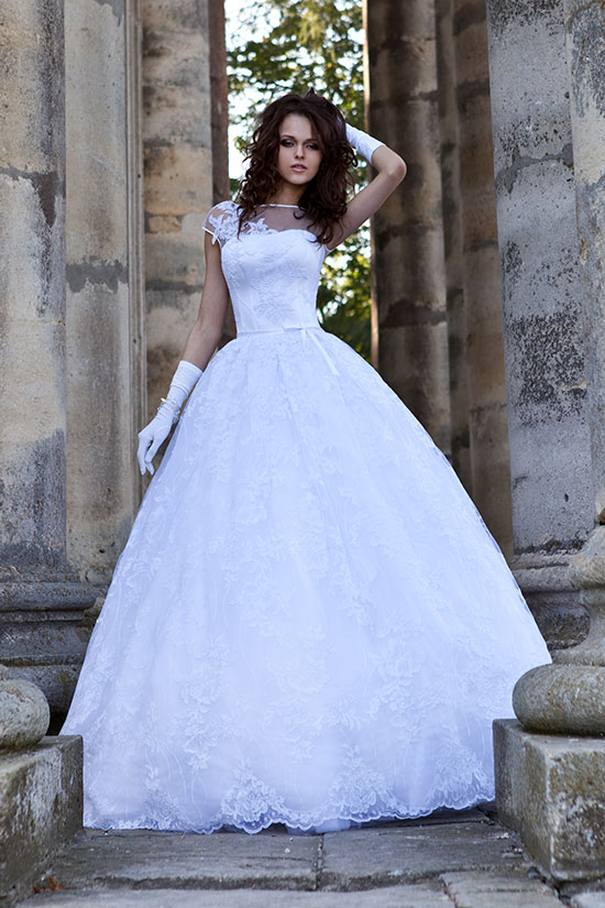 что такое пышное свадебное платье и как его носить. Это очень актуальный вопрос. Под влиянием массового засилья на рынке и в медиа китайского продукта