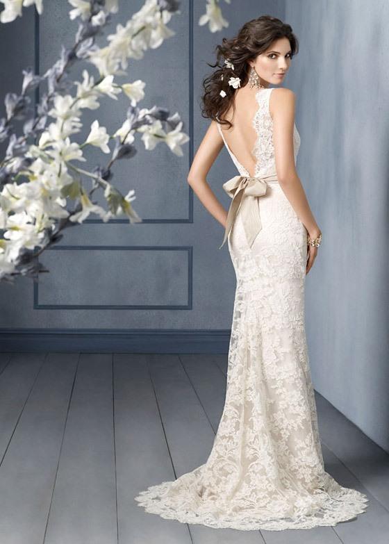 Украшения и аксессуары для платья с открытой спиной