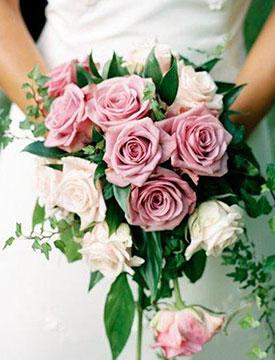 Свадьбу гостей дизайнерские букеты из роз свадебные