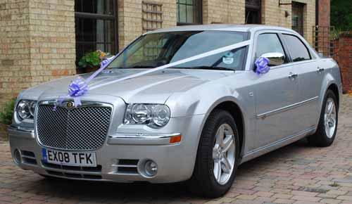 как сделать украшение на свадебную машину из фатина своими руками