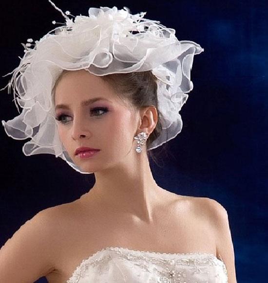 Прически свадебные со шляпками, фото