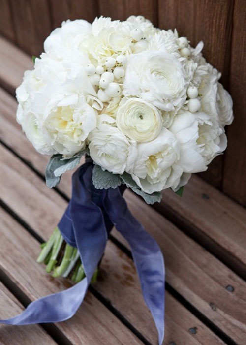 Белый букет невесты с фото
