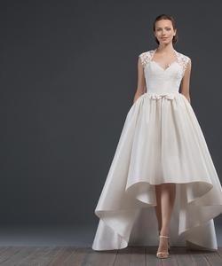 Колір сукні  Білий   Слонова кістка. Довжина сукні  Короткий Фасон сукні   А-ситуэт (принцеса) Додатково  з корсетом 8822865ac78d0