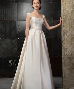 Колір сукні  Білий   Слонова кістка. Довжина сукні  Довге Фасон сукні   А-ситуэт (принцеса) Додатково  відкрите 2370a3826b5fc