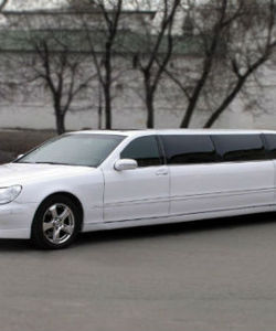 Mersedes W 220 Limousine