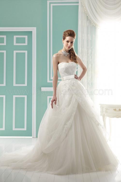 Свадебное платье Jasmine Collection F141063 от компании Московский