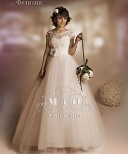 Колір сукні  Білий   Слонова кістка. Довжина сукні  Довге Фасон сукні   Бальна (пишна) Додатково  для повних ac5f9da385d83